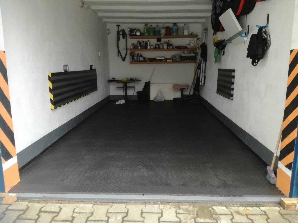 Oprava garáže, Poľsko