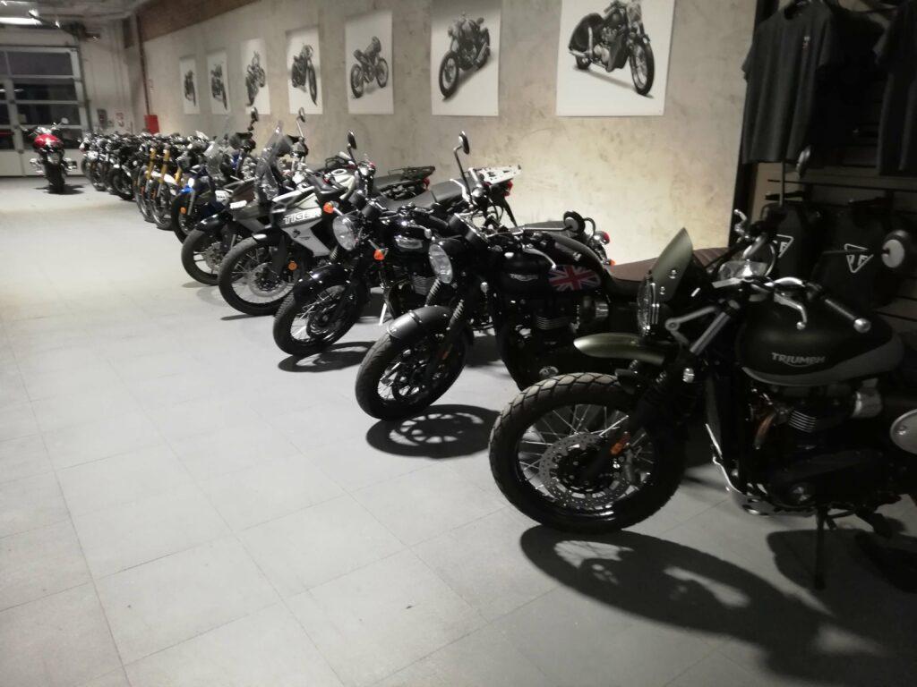 Predajňa motocyklov, Taliansko